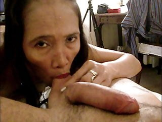 Mature hairy asian Emily exhibs her fat large lips, have sex