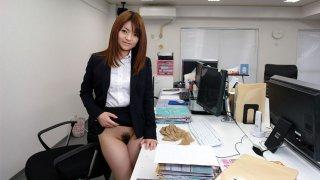 Kimoko Tsuji in Kimoko Tsuji gives an awesome blowjob at the office and gets cumshot - AvidolZ
