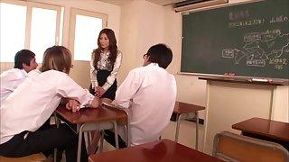 [LT18] PGD-405 - Incontinence Woman Peeing Teacher Yuna Shiina
