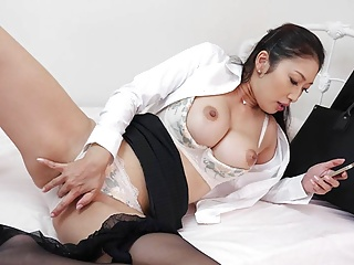 Japanese woman, Reiko Kobayakawa does JOI, uncensored