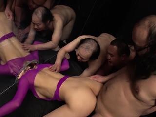 JAVHUB JAV slut Kaori Buki loves a good gangbang