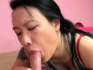 Asian hottie Zoe Lark goes down on Logans dick