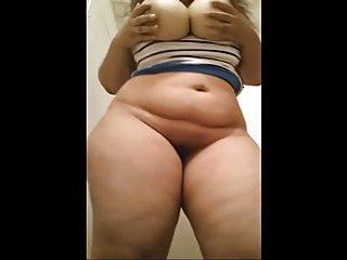 Waah Teen Beauty with huge boobs n huge ass Self Shot