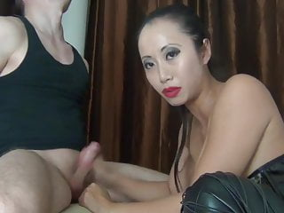 Asian beauty fuck and give blowjob